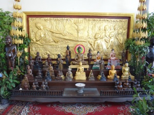 There are many, many Buddha statues in and around the Grand Palace.... and everywhere really!