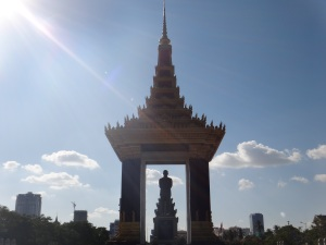 Love a good monument in Phnom Penh