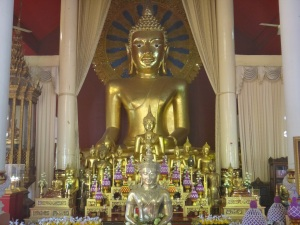 Guess what, another impressive golden Buddha shrine!