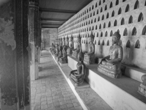 The many Buddha images found surrounding Wat Si Saket