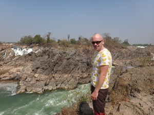 Think that the rubber ducky t-shirt sets off the falls nicely :-)