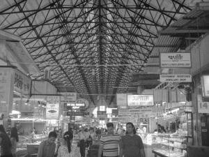 The main hall of the market, the high roof helping keep the heat of the day away