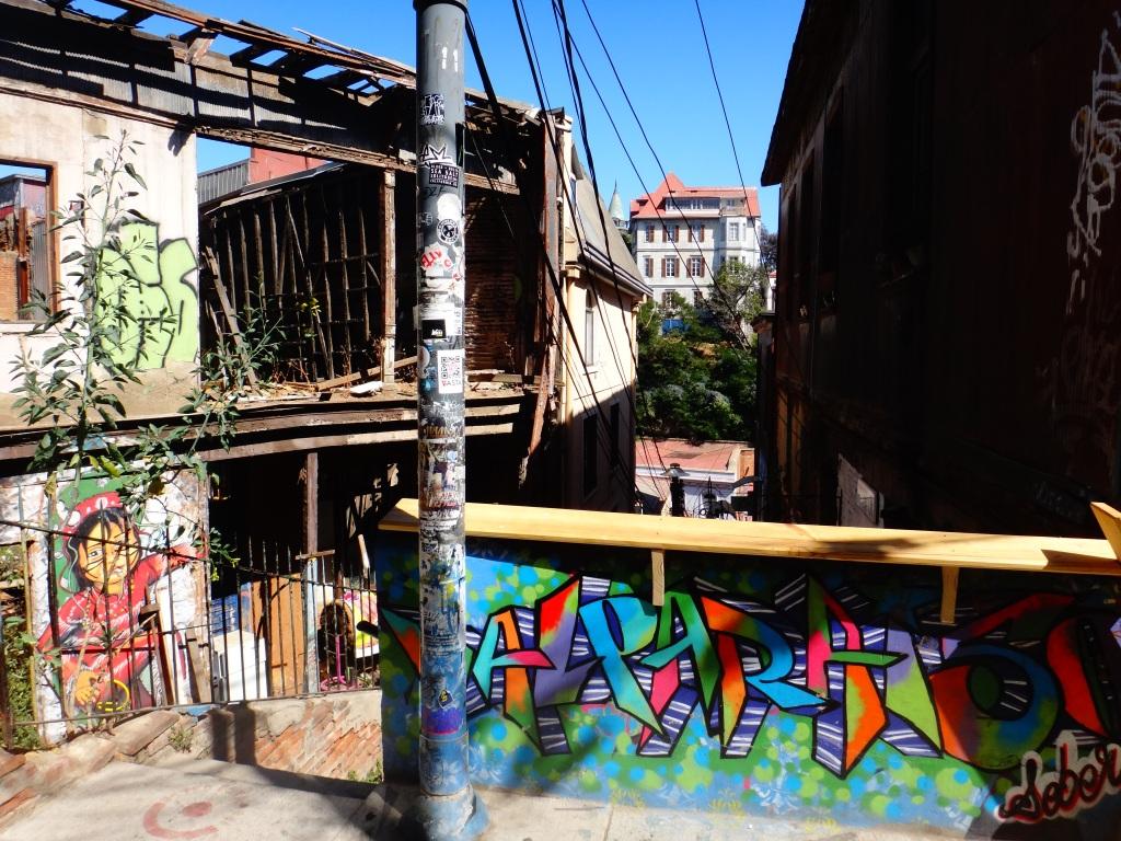 On the streets of Valpairiso